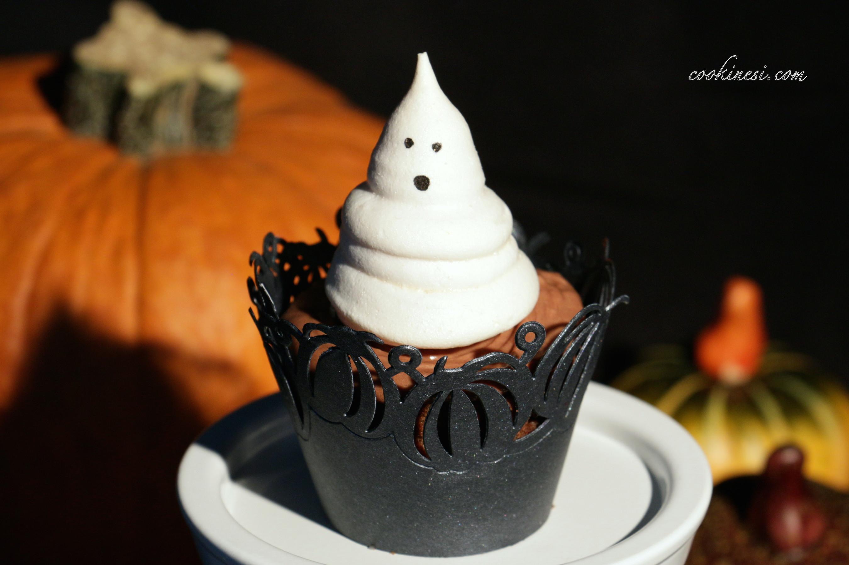 cookinesi blutende cupcakes mit baiser geist. Black Bedroom Furniture Sets. Home Design Ideas