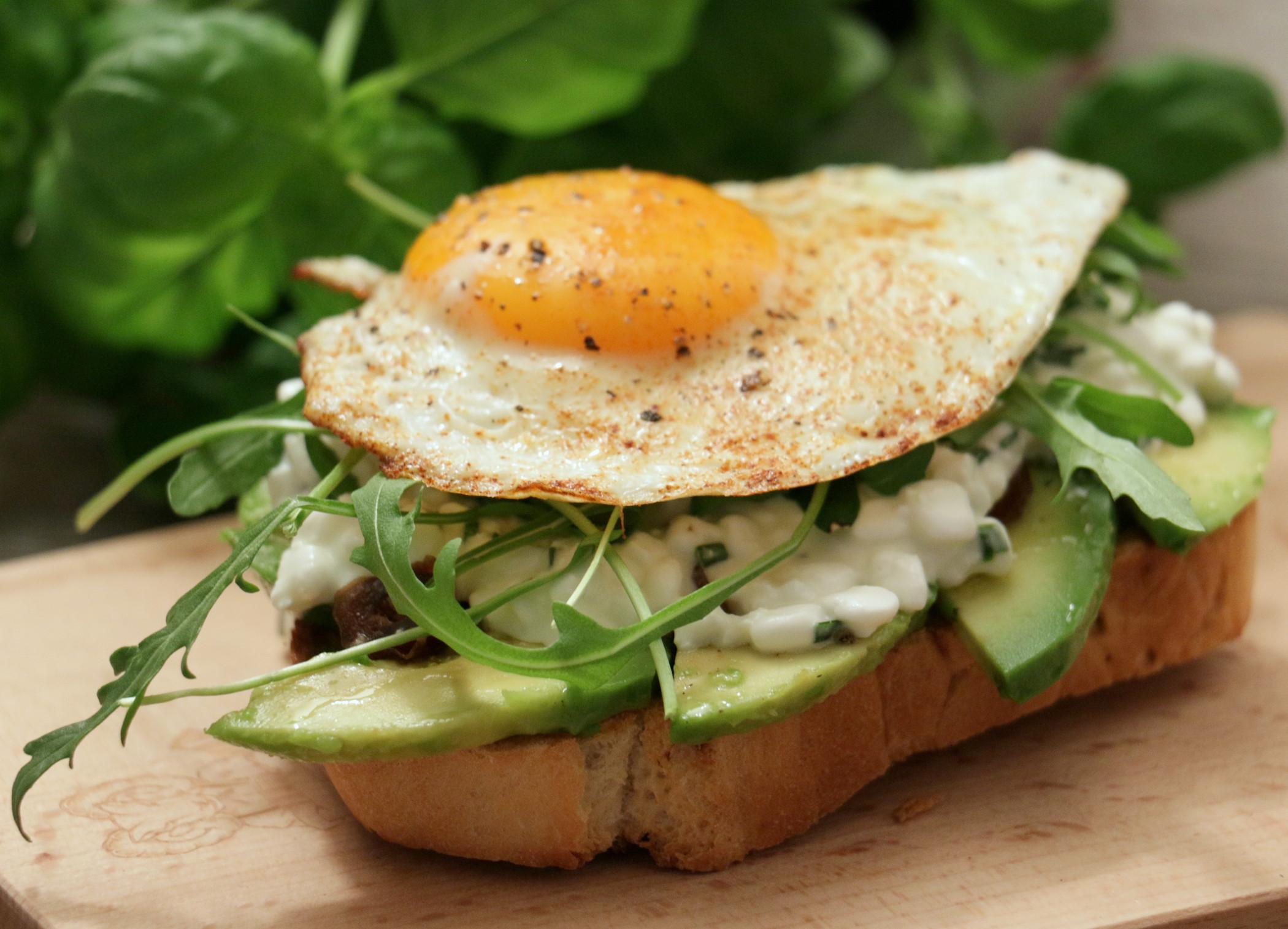 cookinesi superbread mit avocado ei. Black Bedroom Furniture Sets. Home Design Ideas
