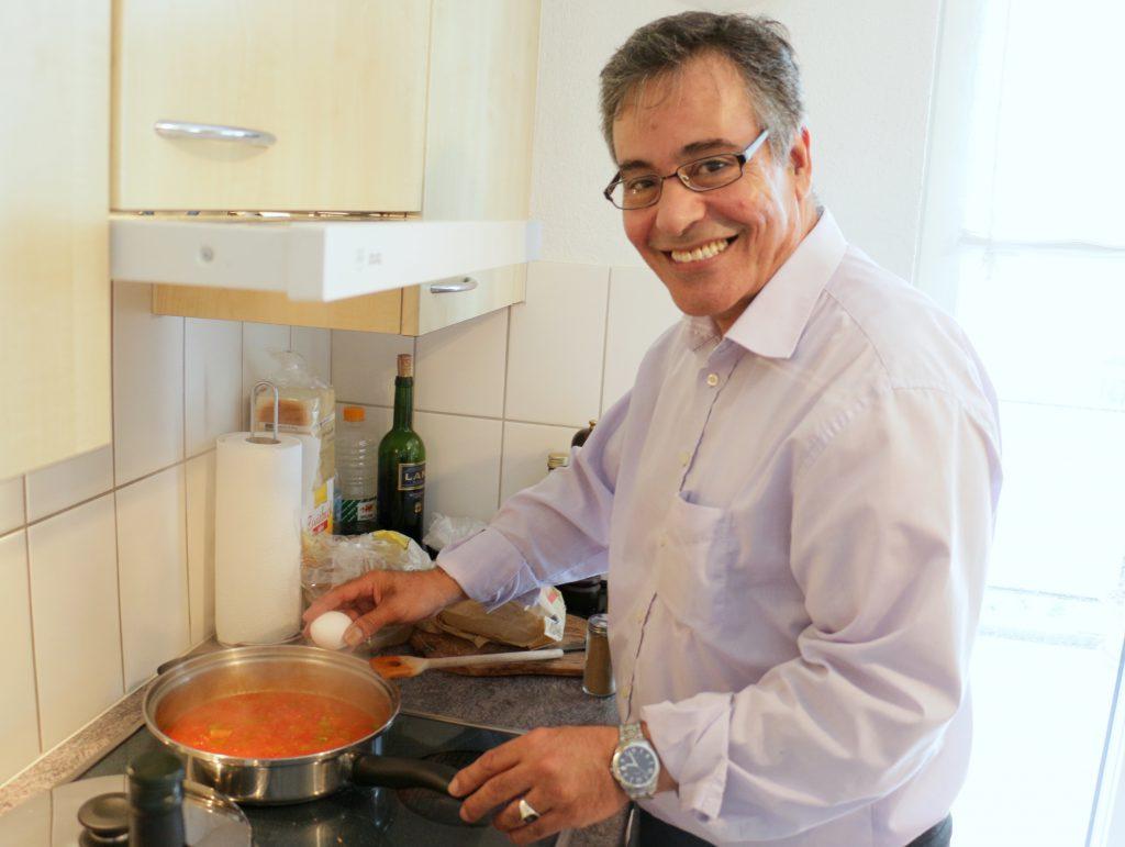 cookinesi wie tunesier spaghetti kochen warum wir couscous total falsch zubereiten. Black Bedroom Furniture Sets. Home Design Ideas