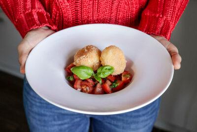 Gebackener Mozzarella mit Tomatensalsa
