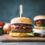 Hamburger mit selber gemachten Buns und Honig-Senf Sauce